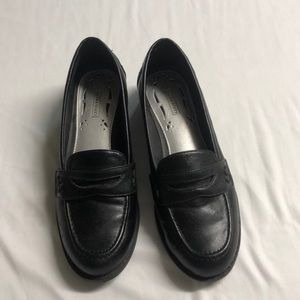 Laura Scott black leather loafers